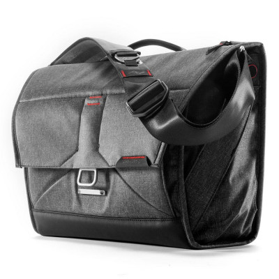 "The Everyday Messenger 15""- Charcoal grey"